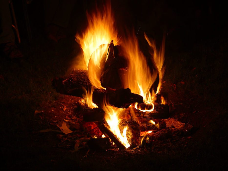 10 Ways to Stay Warm Outdoors