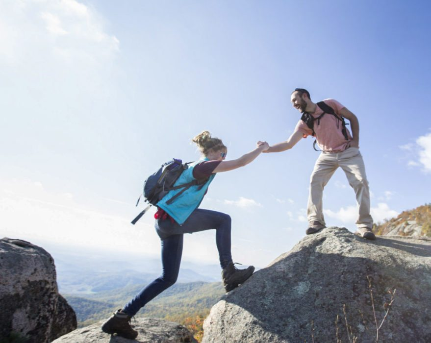 6 Creative Ways to Help a Fellow Hiker