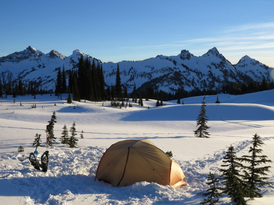 A Four Step Guide to Setting Up Your Winter Campsite